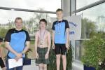 Bild 17 - Siegerehrung 50m Freistil (Jg. 2001) - Noah Werner (rechts)