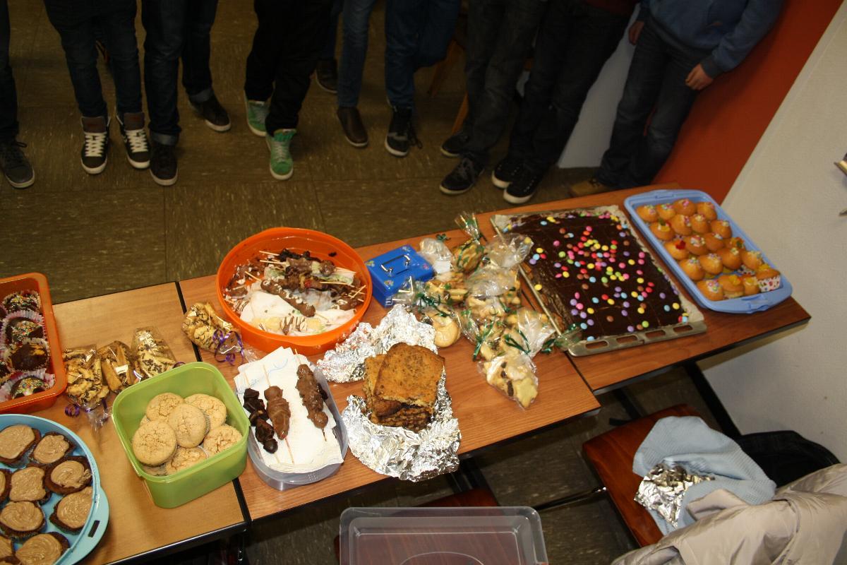 Kuchenverkauf der Klasse 7b für Syrien